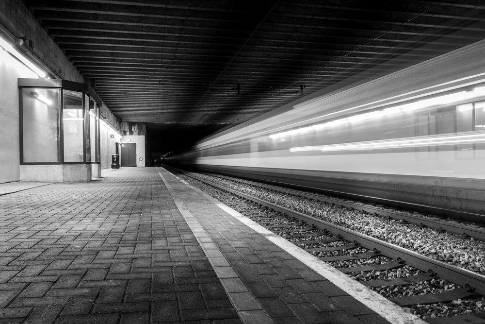 viewfinder-creativeboody-trainspotting-voorbijrazende-treinen-fotograferen-in-mortsel-creatieve-fotograaf