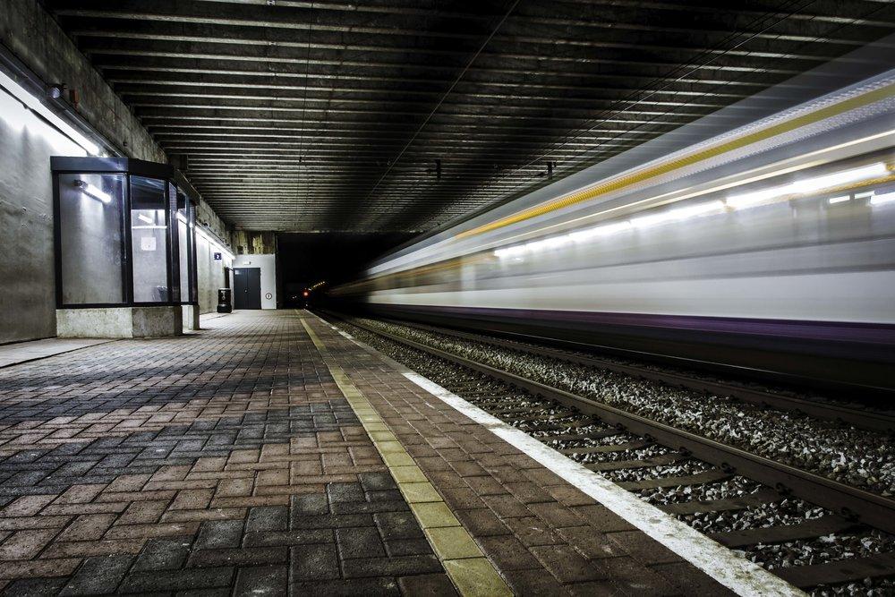 viewfinder-creativeboody-trainspotting-voorbijrazende-treinen-fotograferen-in-mortsel-creatieve-fotograaf-1