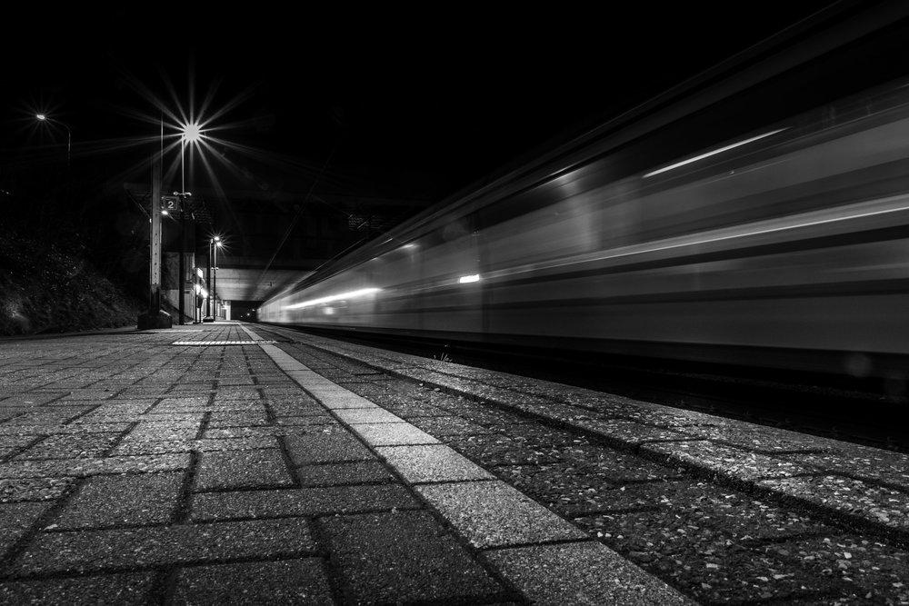 viewfinder-creativeboody-trainspotting-voorbijrazende-treinen-fotograferen-in-mortsel-creatieve-fotograaf-2