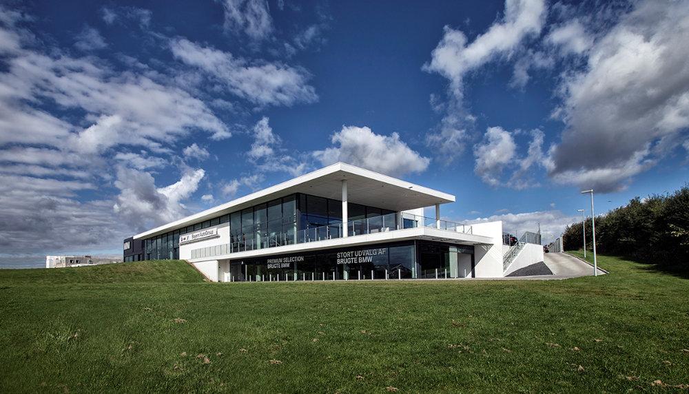 BMW  Udarbejdelse af landskabsplaner for BMW bilhuse i Danmark og Norden.   Læs mere →