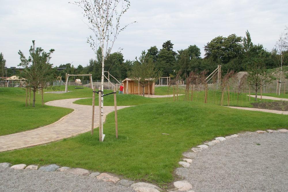 Skibhusskoven  I forbindelse med nybygning af børneinstitutionen Skibhusskoven i Odense anlægges nye legearealer til børnehaven.   Læs mere →