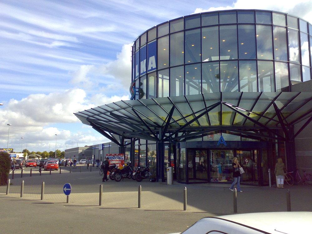 Aalborg Storcenter  I forbindelse med Aalborg Storcenter udføres en omfattende renovering af arealerne omkring Storcentret og Bilka.   Læs mere →