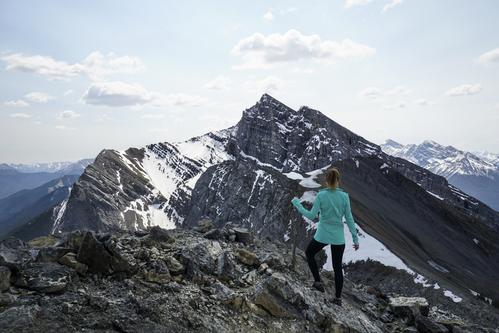 the national parks girl_banff national park_canada_alberta_sonya6000_ha ling peak_hiking.JPG