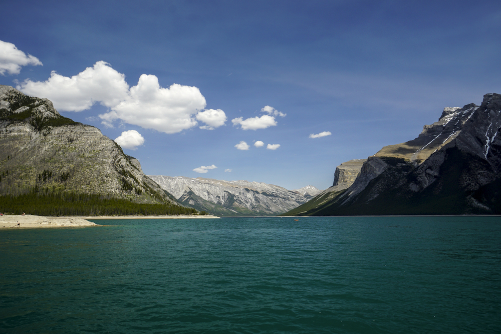 the national parks girl_banff national park_canada_alberta_sonya6000_lake minnewanka.JPG