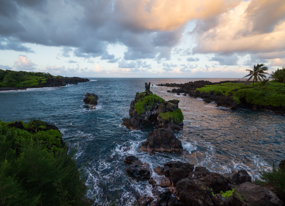 the national parks girl_maui_hawaii_canon6d_road to hana_waianapanapa state park_sunset.JPG
