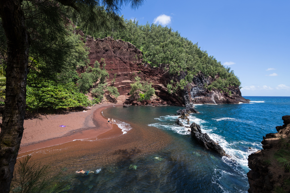 the national parks girl_maui_hawaii_canon6d_road to hana_red sand beach_secret beach.JPG