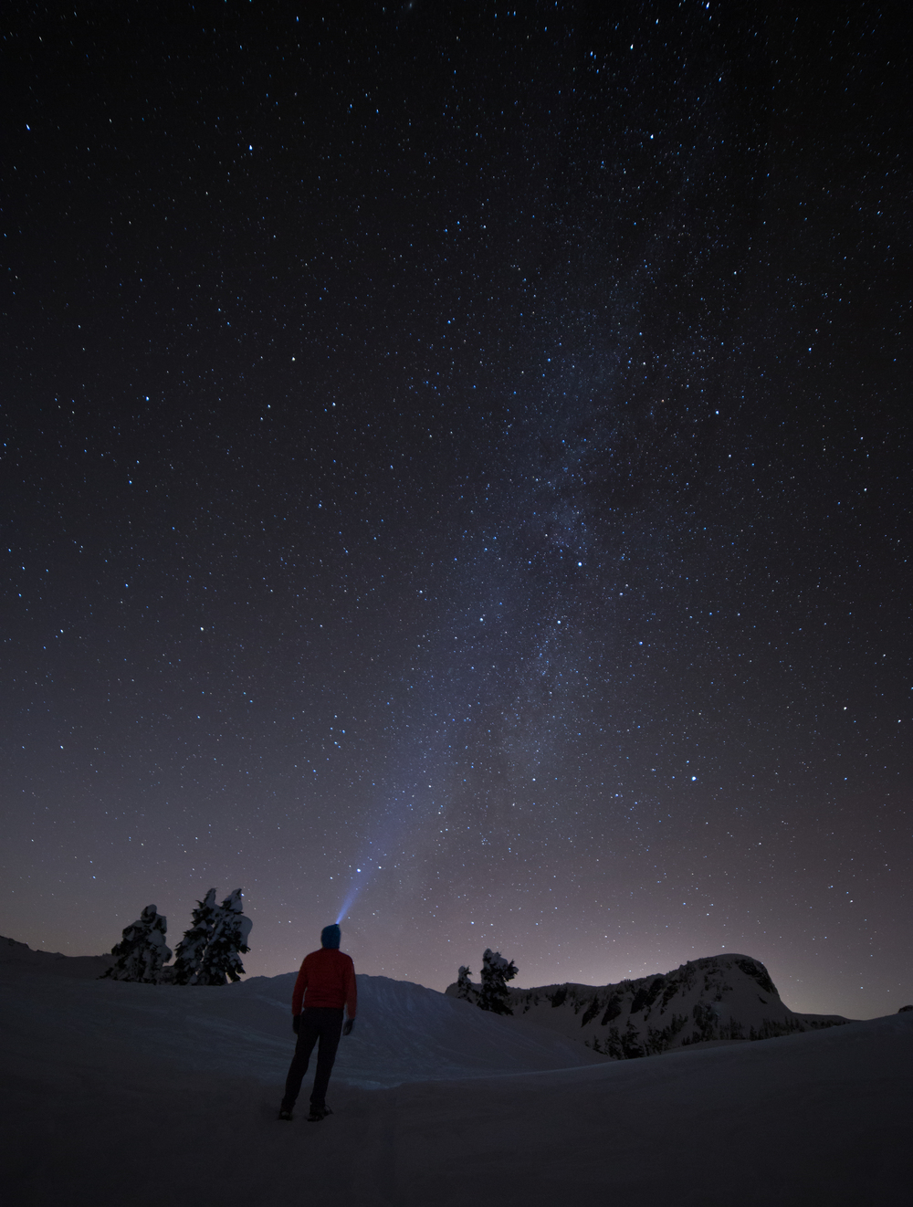 the national parks girl_mt baker_winter hike_snowshoe_north cascades_long exposure_night photography_canon6d.JPG