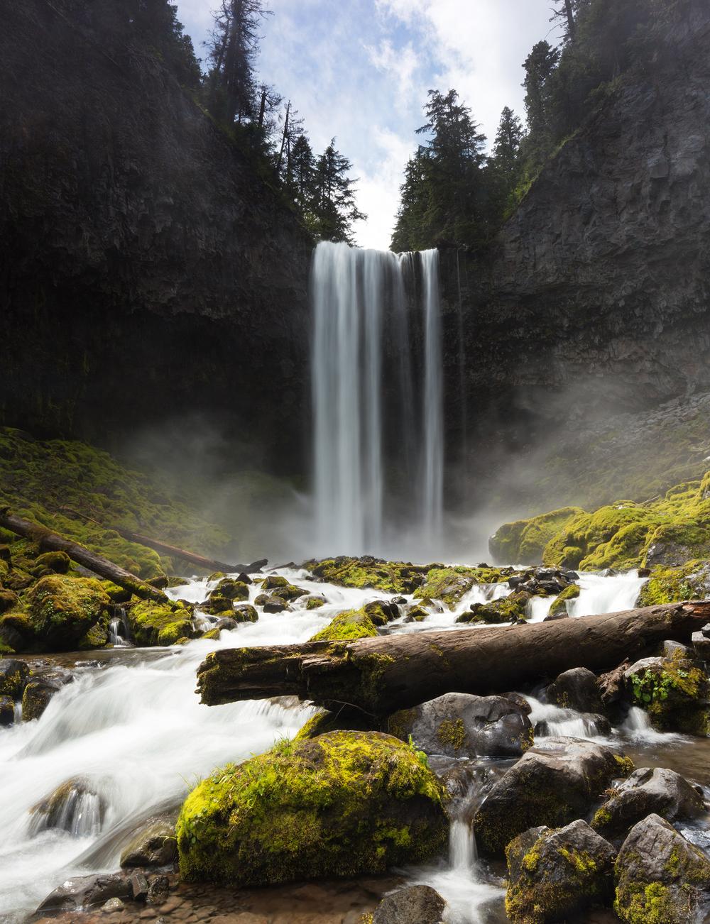 the national parks girl_waterfall-oregon-mthood-longexposure-canon-tamanawasfalls.JPG