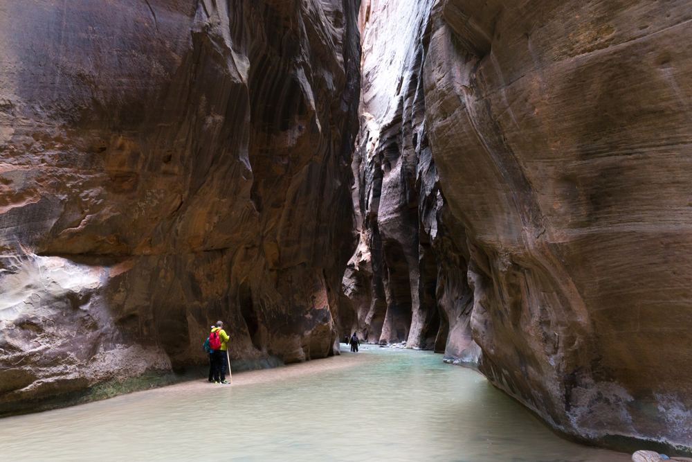 the national parks girl_the narrows_zion national park_canon6d.JPG