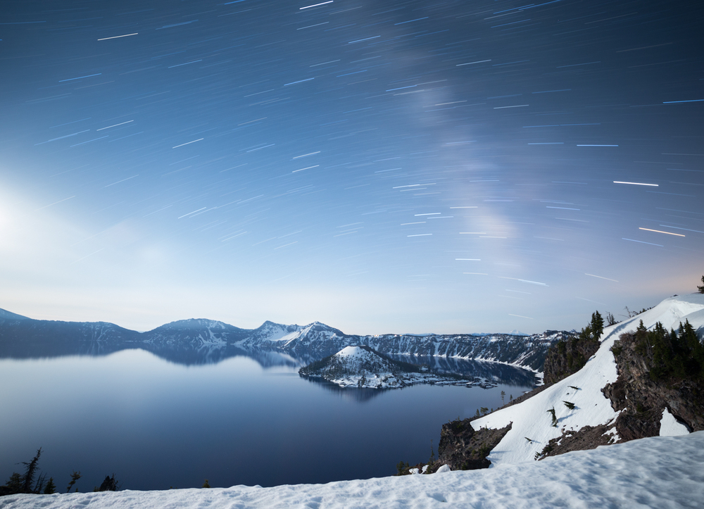 the national parks girl_crater lake national park_canon6d_wizard island_long exposure_star trails_night photography.JPG