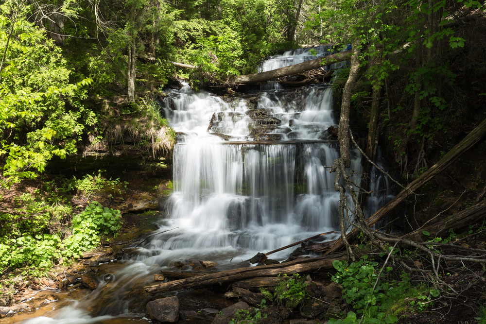the national parks girl_pictured rocks national lakeshore_chapel loop_beaver creek_canon6d-4.jpg