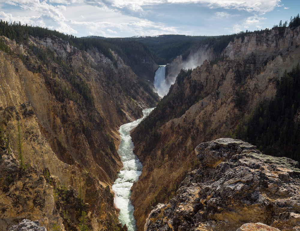 Lower Falls and Yellowstone River seen from Artist Point