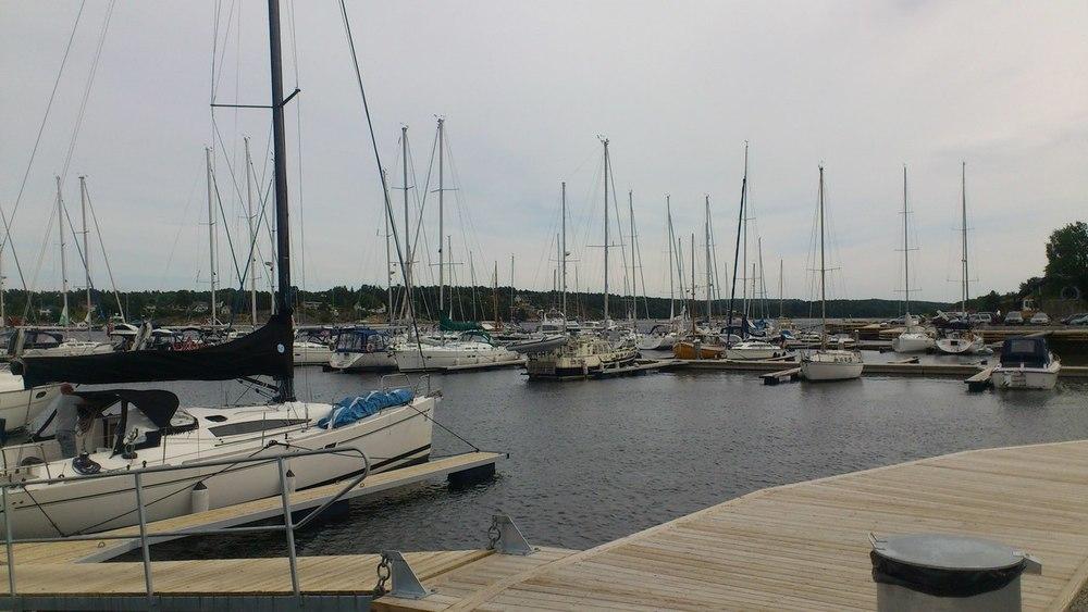 En tur innom Skjæløy igjen, båten blir nok liggende her
