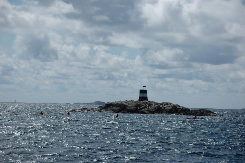 4 kajakkpadlere langt fra fastlandet