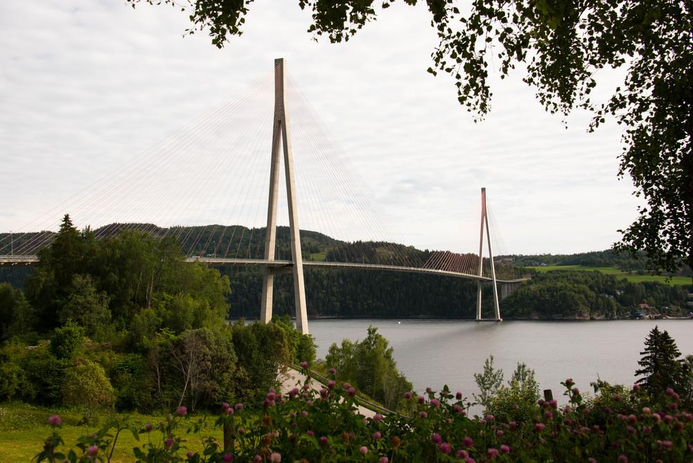 Skarnsundbrua mellom Inderøy og Inderøya