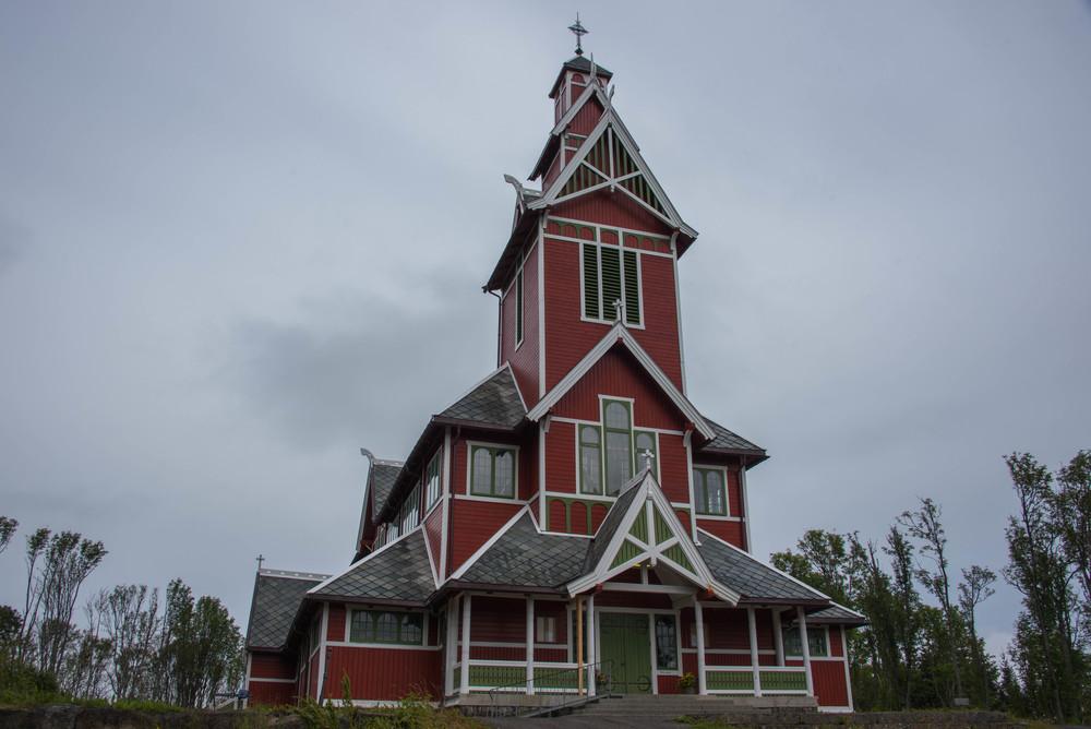 Buksnes kirke i dragestil fra 1905