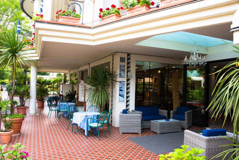 Foran hotellet i Misano