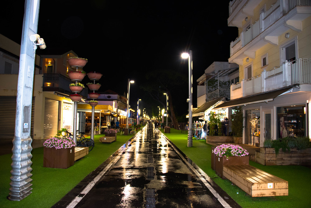 Viale Dante by night, late night