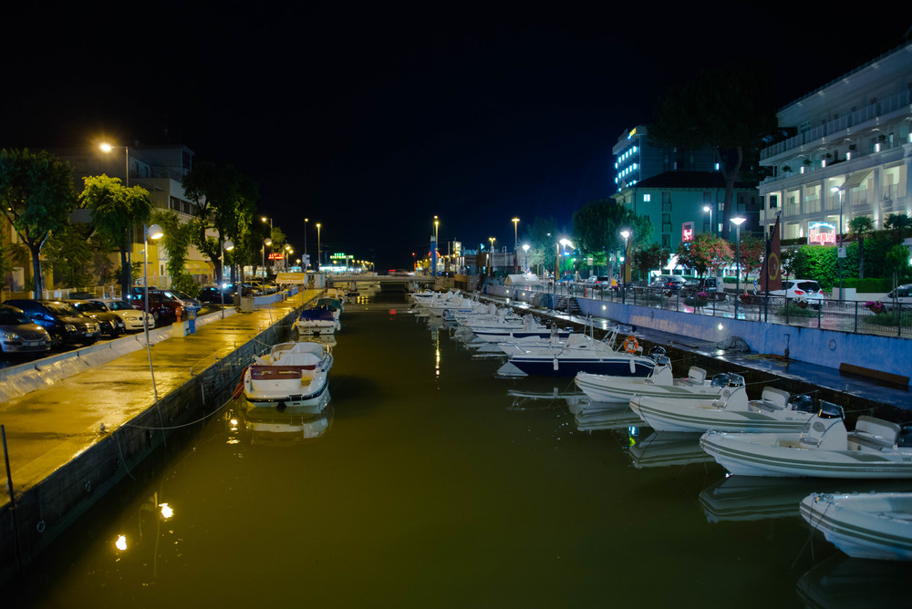 Porto del Riccione by night