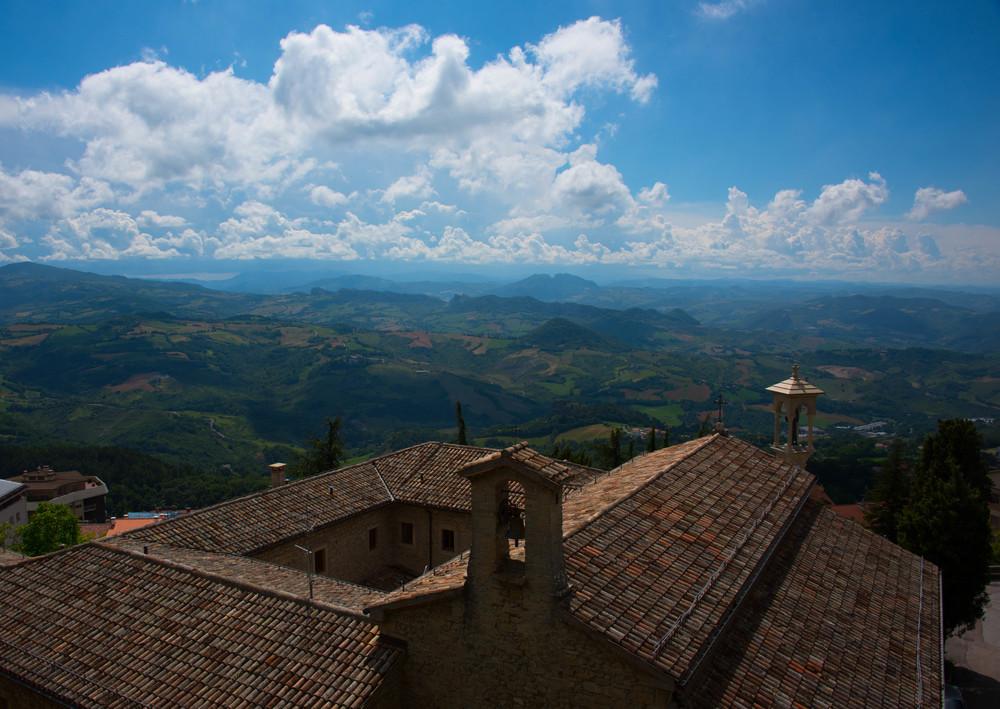 På vei opp bakkene til borgen i San Marino