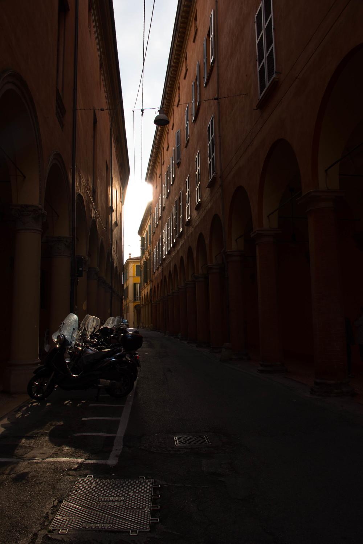 Bolognas trange gater