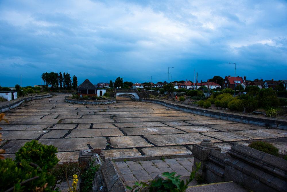 En dam uten vann og båter, men med en nedlagt pub...
