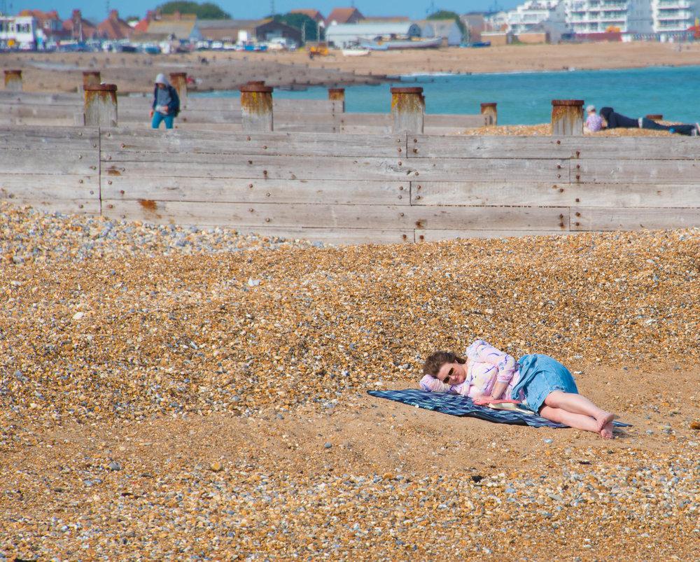Dorothy har sluknet på stranden