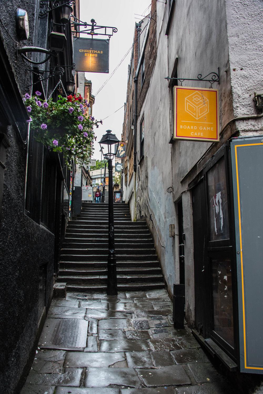 J.K.Rowling er Bristols mest berømte datter og hun skal ha blitt inspirert av denne trappen i en av bøkene om Harry Potter, uten at jeg skjønner det helt.