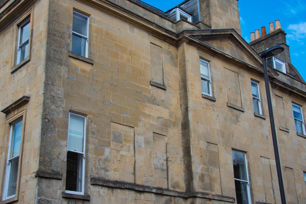 Gjenmurte vinduer sparte skatt