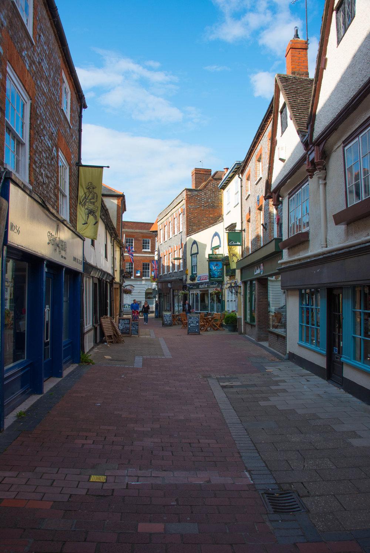 Artige gater, men stille i Wallingford på en lørdag ettermiddag