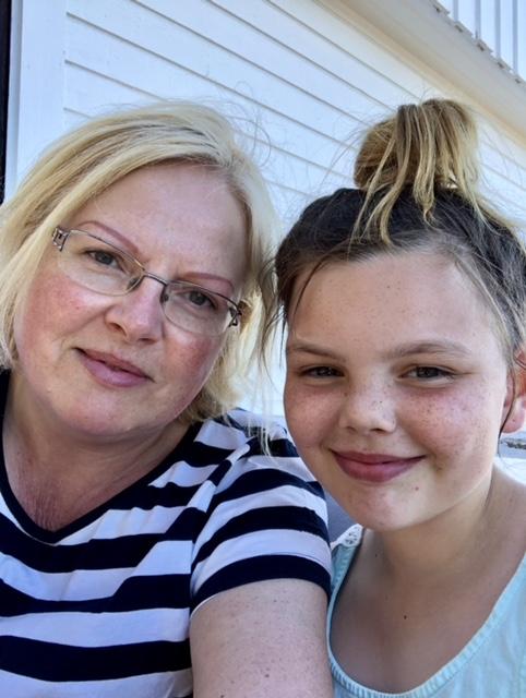Isabell & mormor