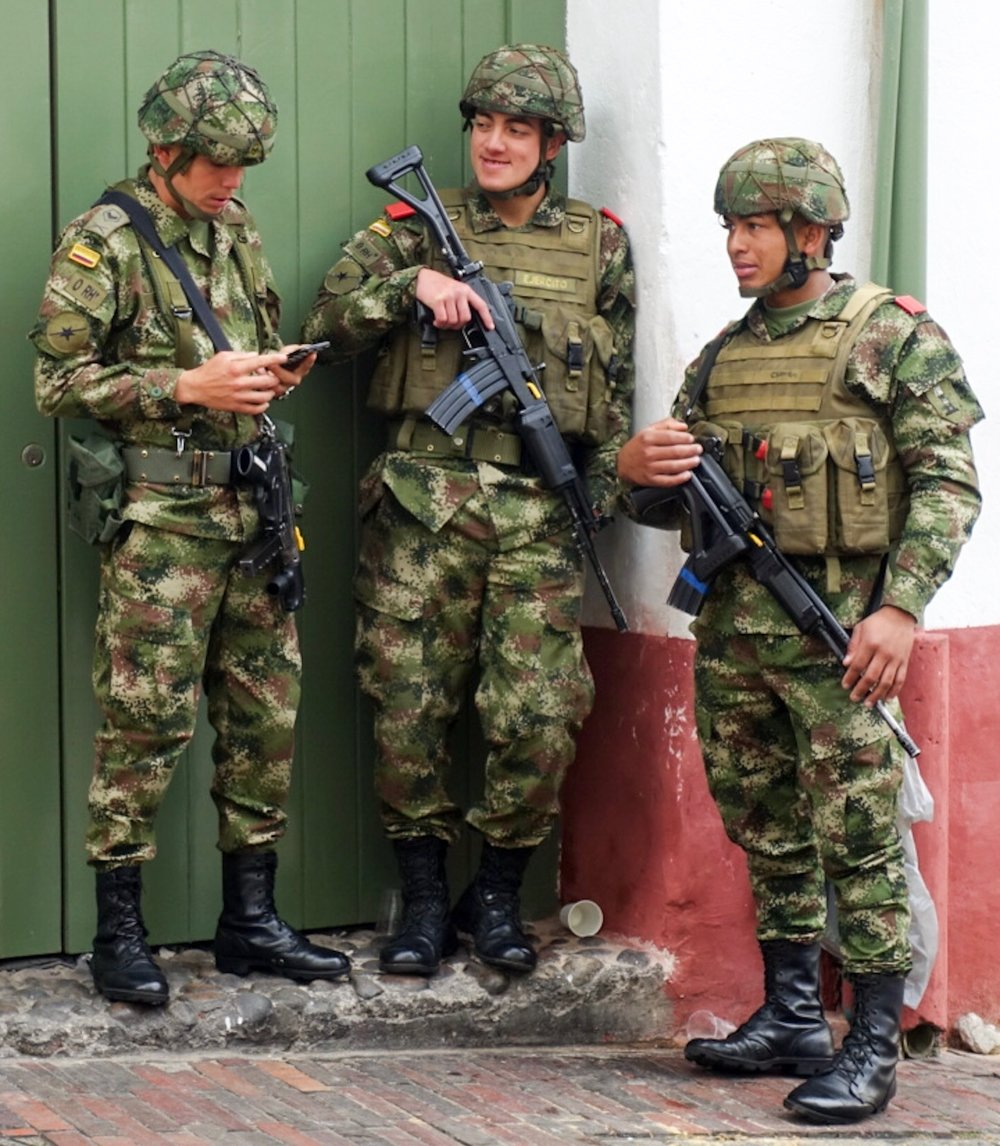 Soldiers in Bogota close-up.jpg