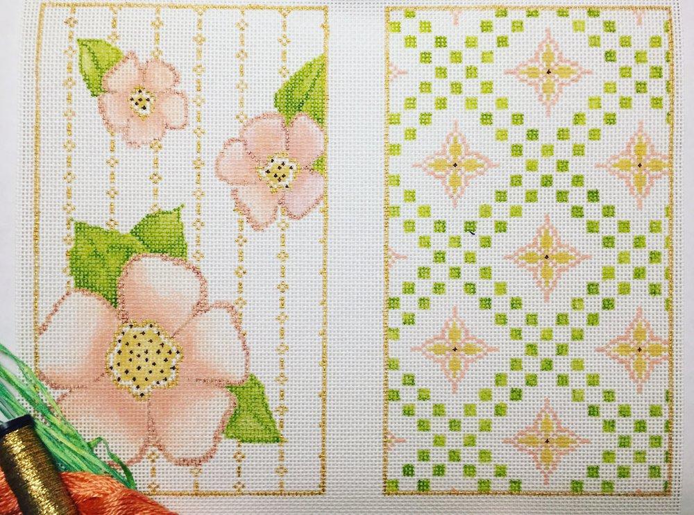 "Flower Wristlet 16C   9.5"" x 7.25"" on 18 mesh"