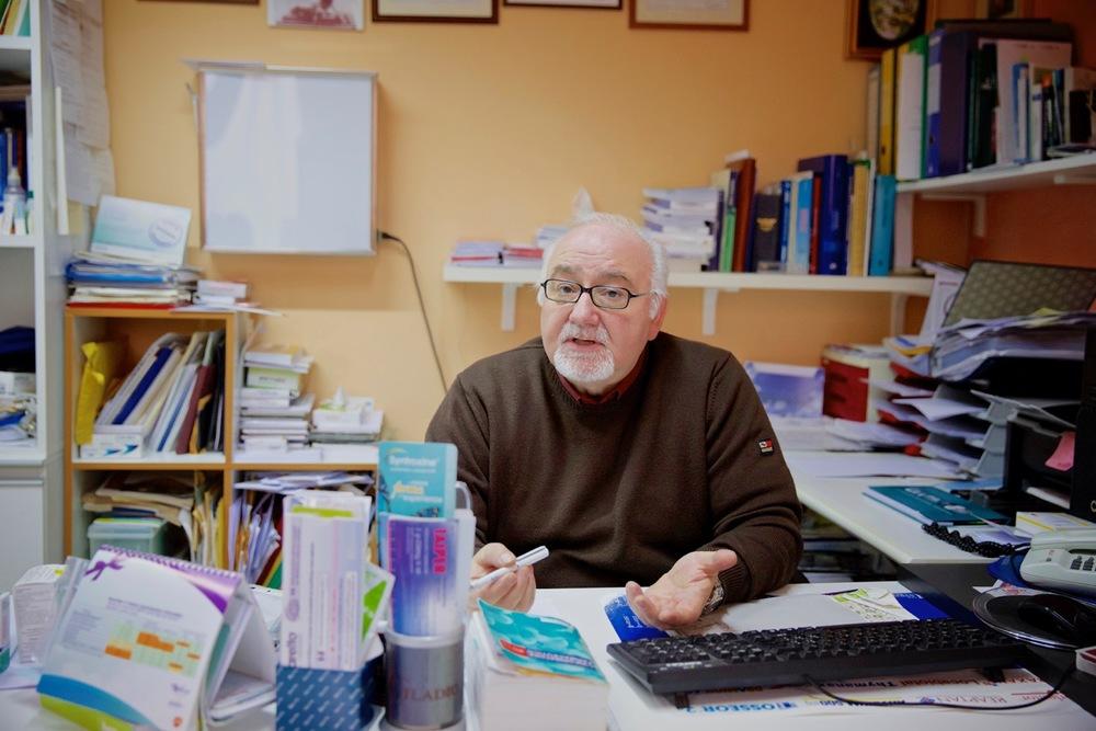 Giuseppe, medico di base da più di vent'anni. Bussi sul Tirino (Pescara), 2014.