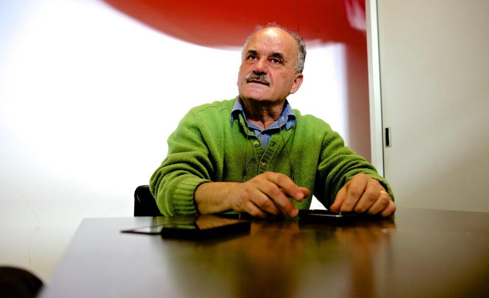 """Marcello Benegiano, storico ed archivista di stato alla provincia di Chieti, autore del libro """"Bussi e la grande chimica in Abruzzo"""", Archivio di Stato, Chieti."""