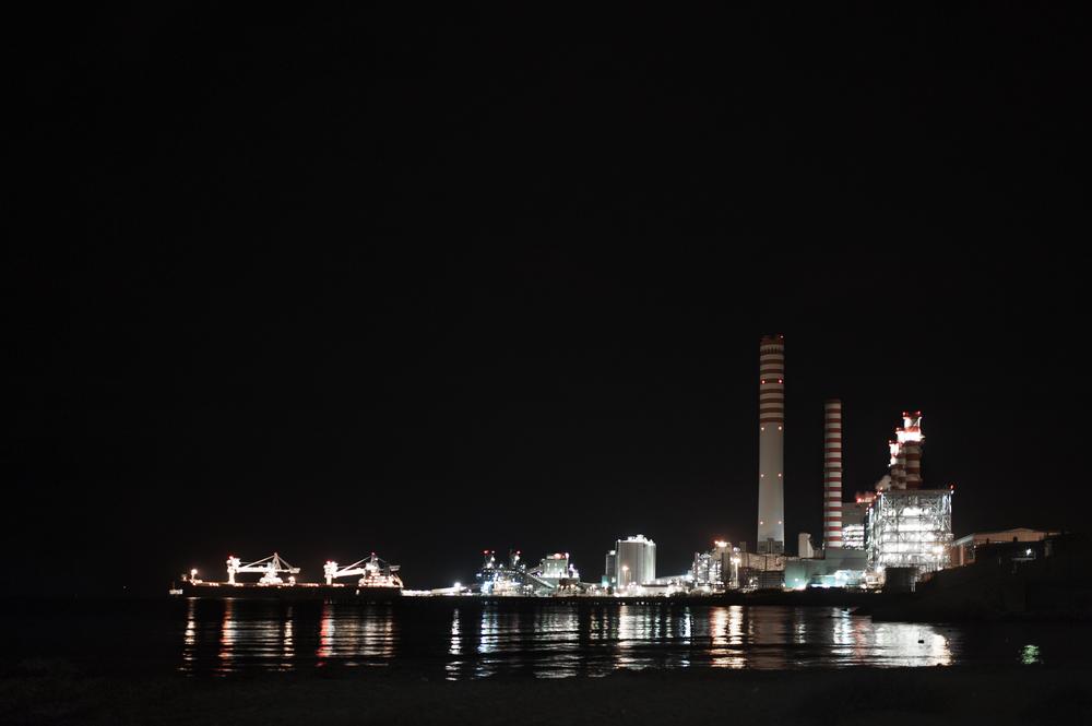 Torrevaldaliga Nord lavora incessantemente 24 ore su 24, per garantire energia elettrica a tutta la regione e a parte del centro Italia. (Giulia Morelli)