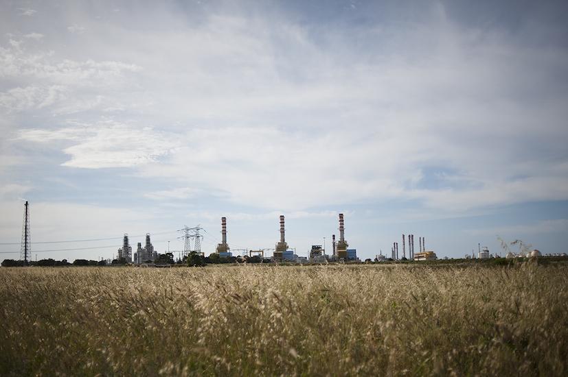 Veduta del polo petrolchimico.