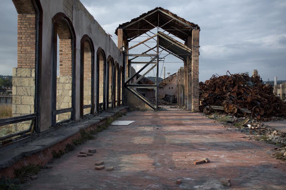 Il 4 marzo 2013 gli antichi padiglioni industriali risalenti alla metà dell'Ottocento e adibiti ad area museale di 'Città della Scienza' sono stati distrutti da un incendio doloso. L'area museale andata persa era prima in Italia di ambito scientifico per dimensioni e innovazioni presenti.