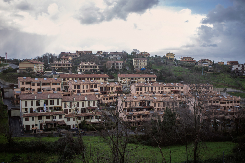 La minaccia relativa alla costruzione della discarica ha contribuito alla svalutazione delle case.