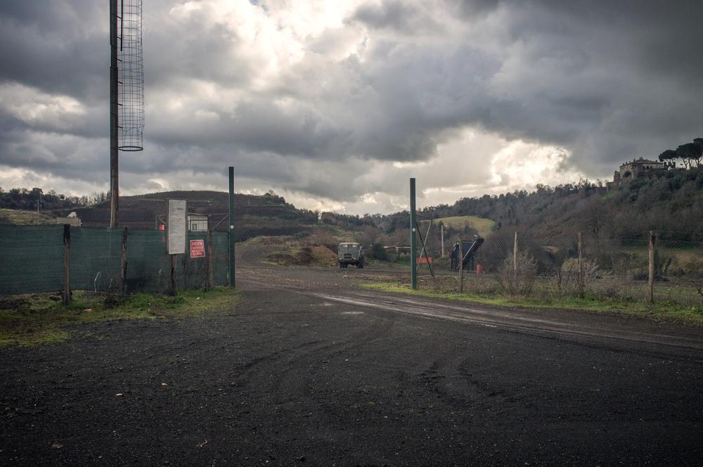 Corcolle - entrata del sito che avrebbe dovuto ospitare la nuova discarica.