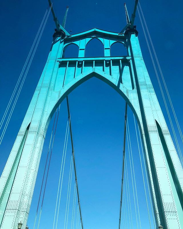 St. Johns Bridge, always a sight for sore eyes!! #pdx #bridges