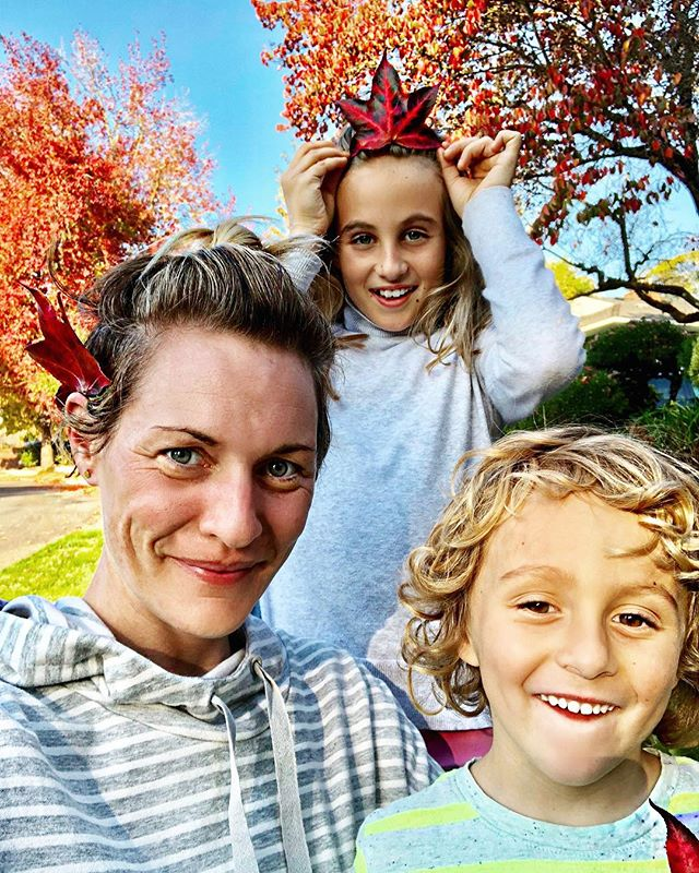 Fall has fallen! The Lilien's are celebrating the season🍁❤️🍁 #leafcrown #leaffashion #fallfashion #fallfam #pdx #fabulousfall #fallinghard #yayforfall