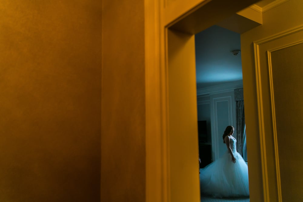 bridal portrait at the chateau laurier