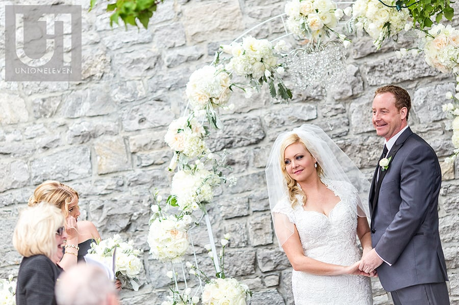 outdoor-wedding-ceremony-bride-groom-social-restaurant-courtyard-wedding-ottawa