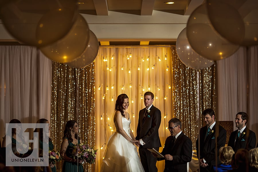 bride-groom-ceremony-canadian-room-fairmont-chateau-laurier-07