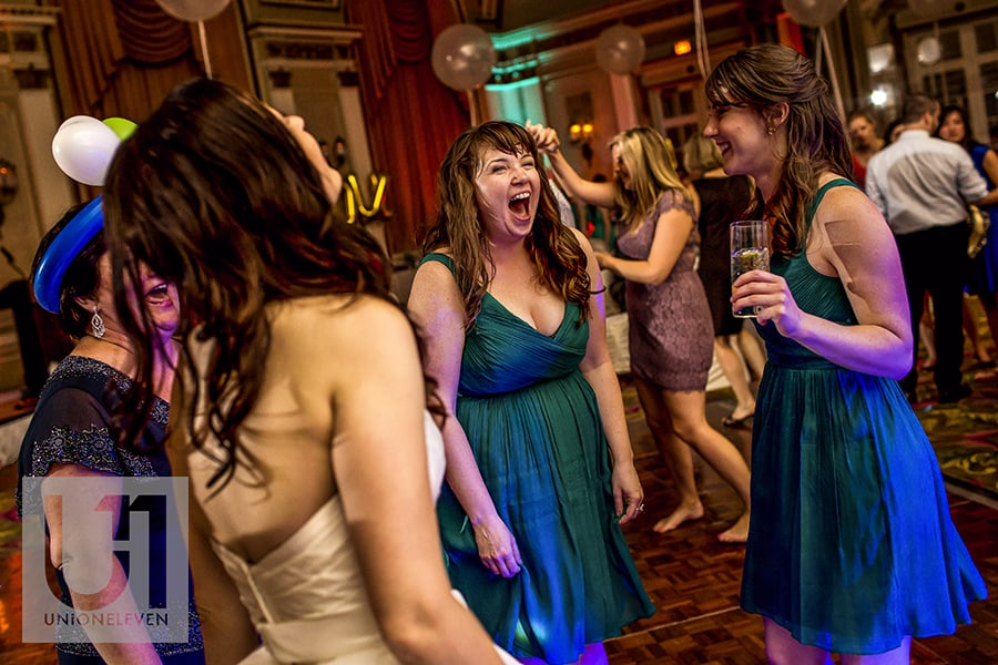 bridemaids-dancing-ballroom-fairmont-chateau-laurier-20