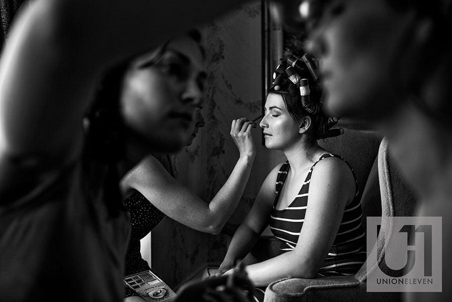 05-bride-getting-makeup-done-perth-manor-perth-ontario