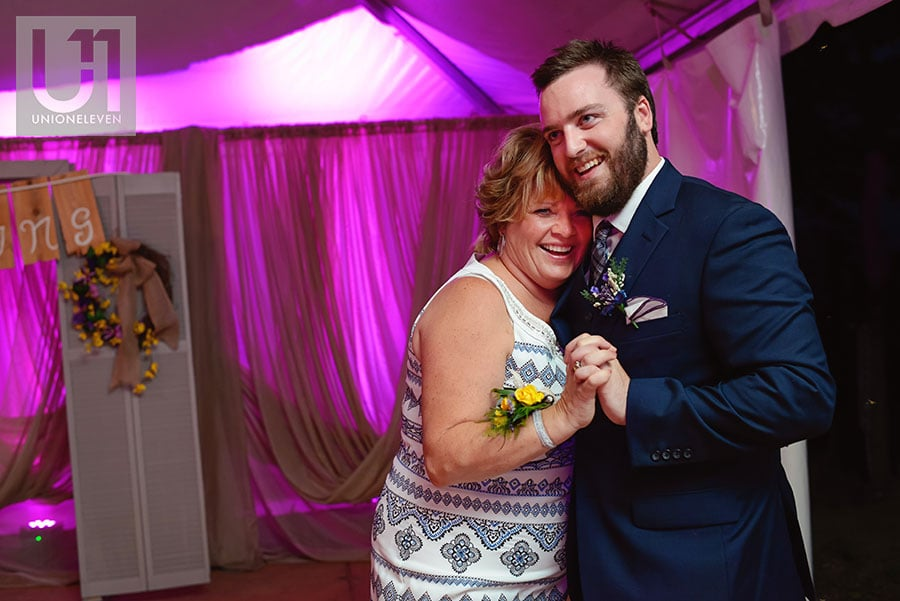 18-mother-son-dance-rideau-river-wedding