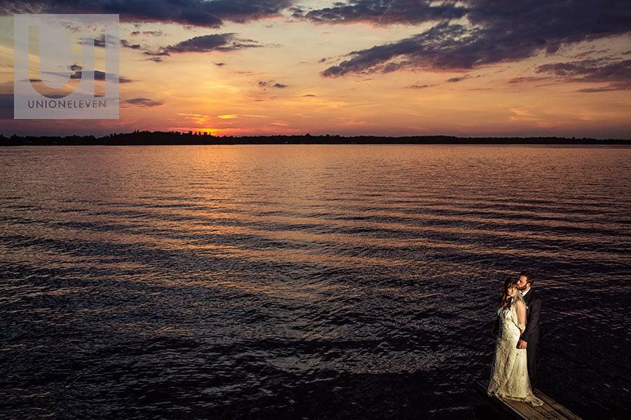 19-bride-groom-sunset-rideau-river