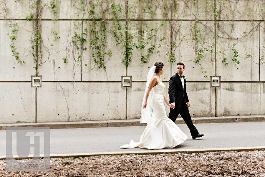 bride groom walking hilton lac-leamy wedding